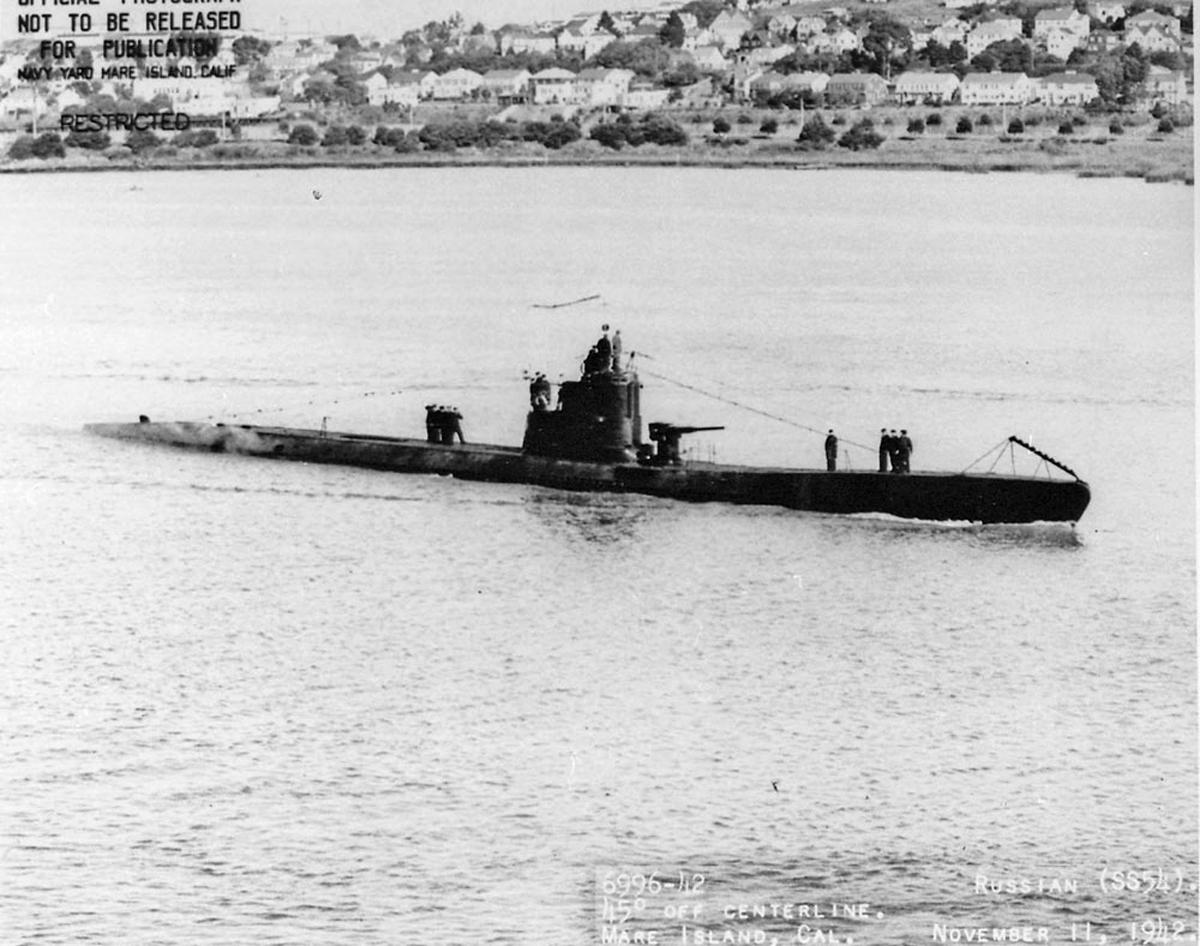 первые лодки на востоке